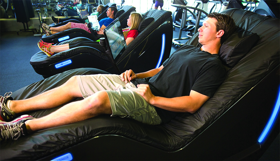man relaxing in a HydroMassage lounge